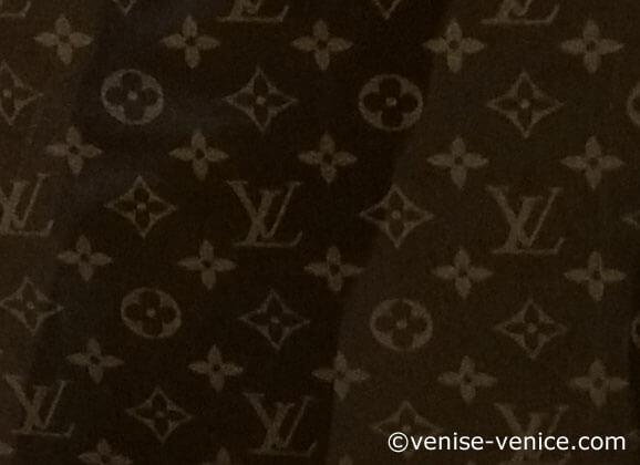 le célèbre monogramme Vuitton et Venise