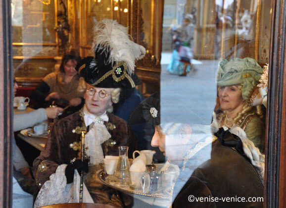 Le caffe Florian pendant le carnaval de Venise