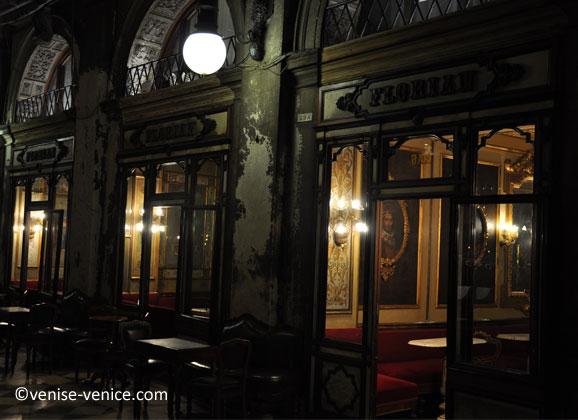 La devanture du café Florian à Venise