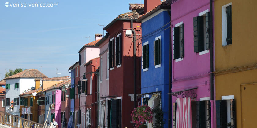 Un panel de couleur à Burano