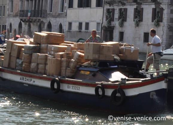 Simple livraison ou demenagement, tout se fait en bateau
