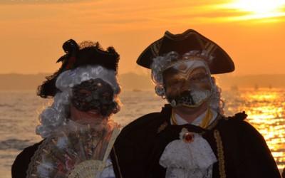 Le masque, accessoire obligatoire pour participer au carnaval