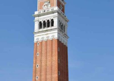 Le campanile de la place saint marc