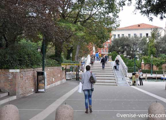 La piazzale Roma à Venise coté jardin