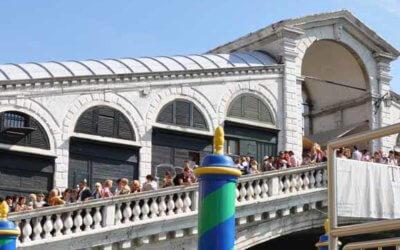 Le monument le plus visité de Venise, le pont du Rialto