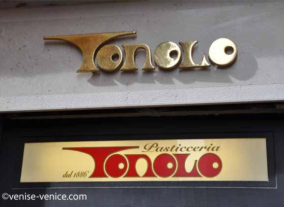 L'enseigne de la pasticceria Tonolo dans le sestiere dorsoduro à Venise