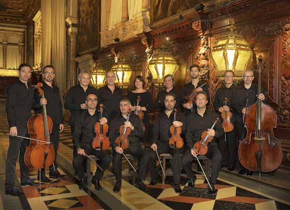 Le groupe Interpreti veneziani, les violonistes vénitiens